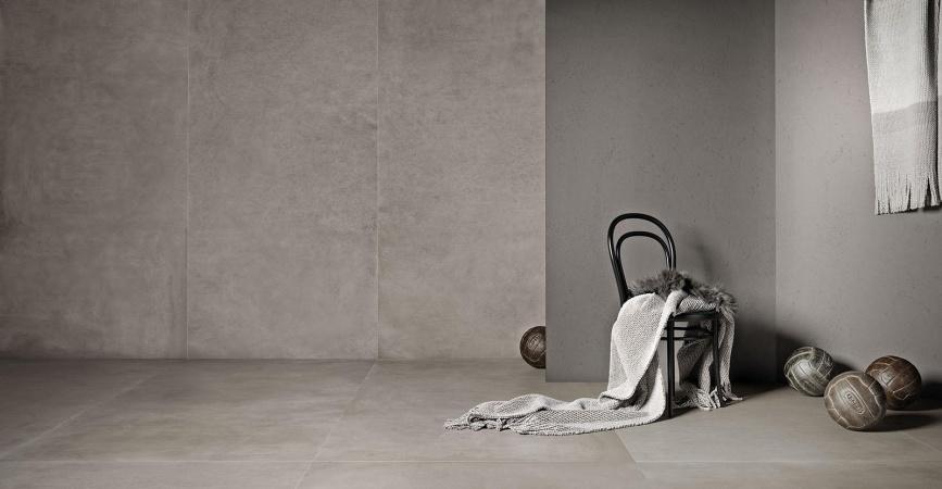 velkoformátová dlažba a obklad šedé barvy
